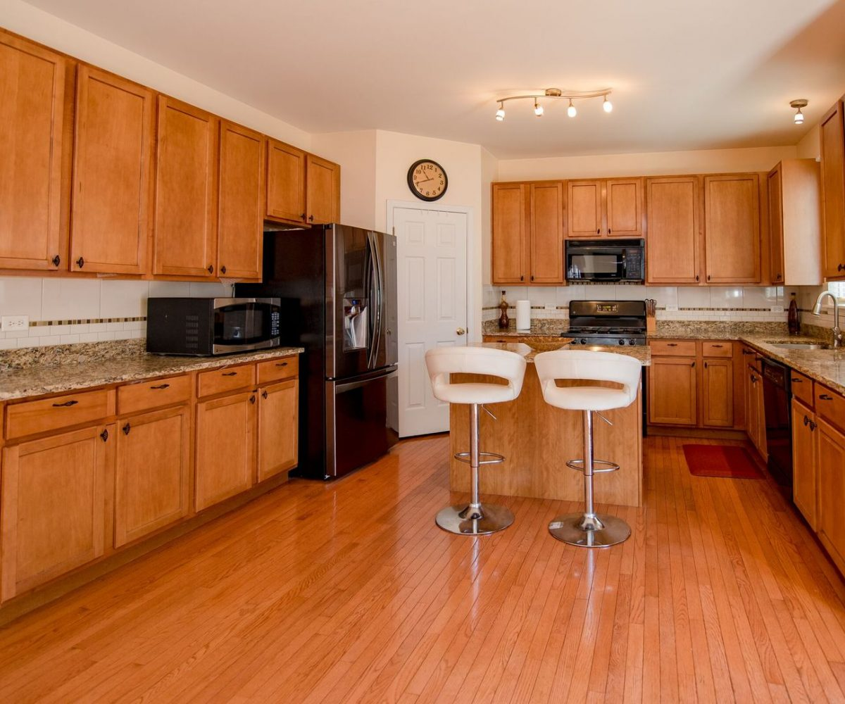 1134 Walker Court Antioch Illinois - Kitchen