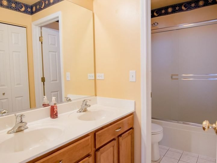 1134 Walker Court -Master Bath