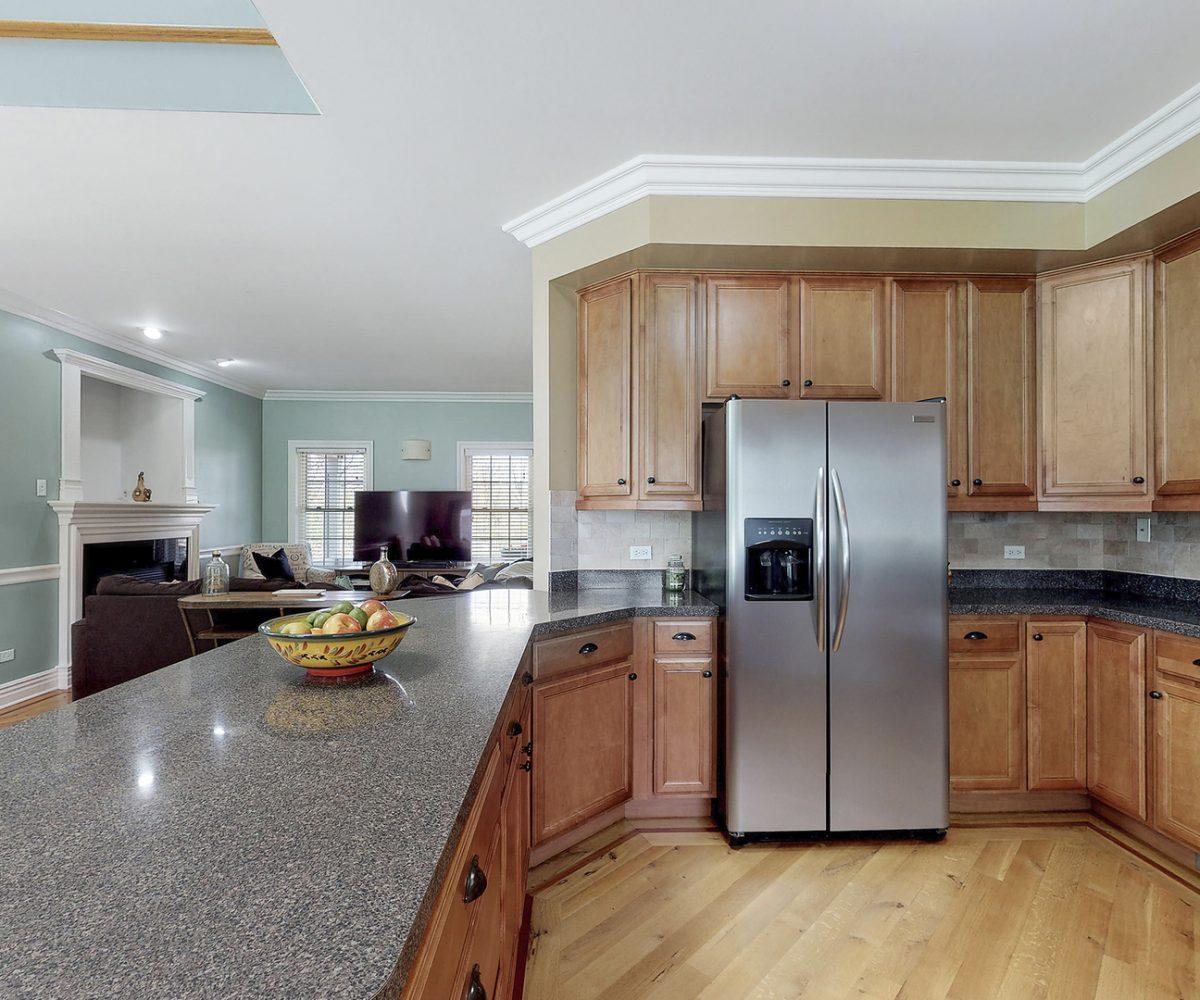 David Harney Real Estate 25868 Simon Ct Antioch IL Kitchen