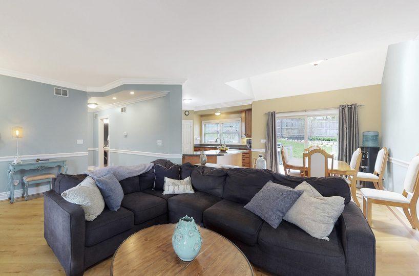 David Harney Real Estate 25868 Simon Ct Antioch IL Living Room