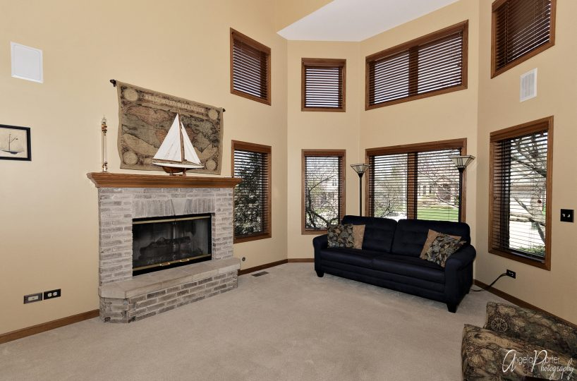 David Harney Real Estate 642 Edelweiss Antioch IL Family Room