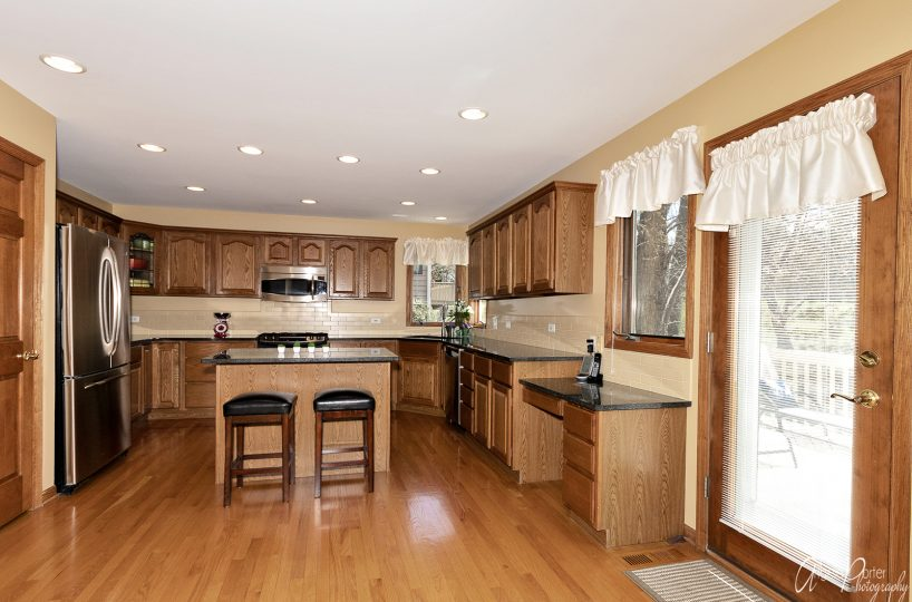David Harney Real Estate 642 Edelweiss Antioch IL Kitchen