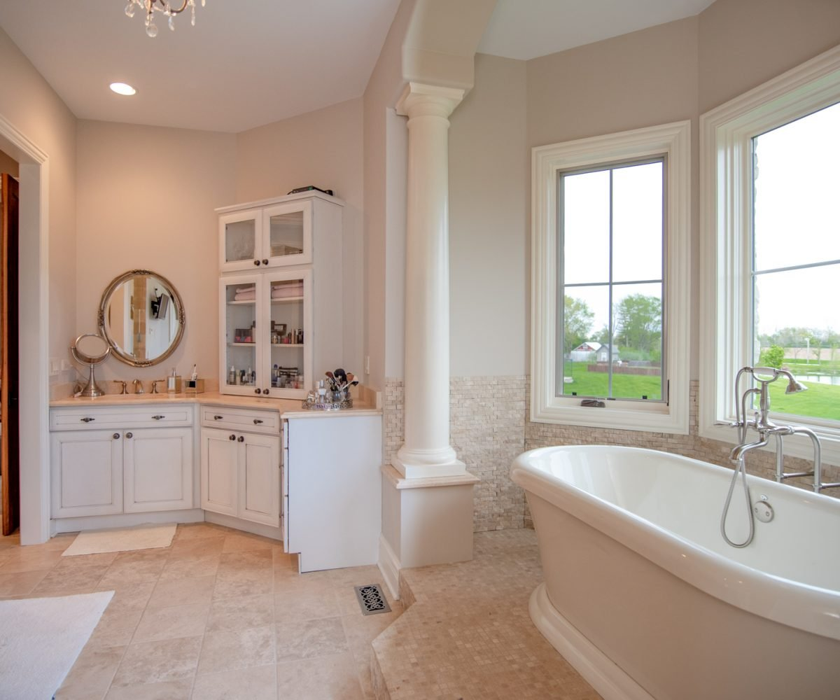 2641 Sanctuary Long Grove IL David Harney Real Estate Master Bath2
