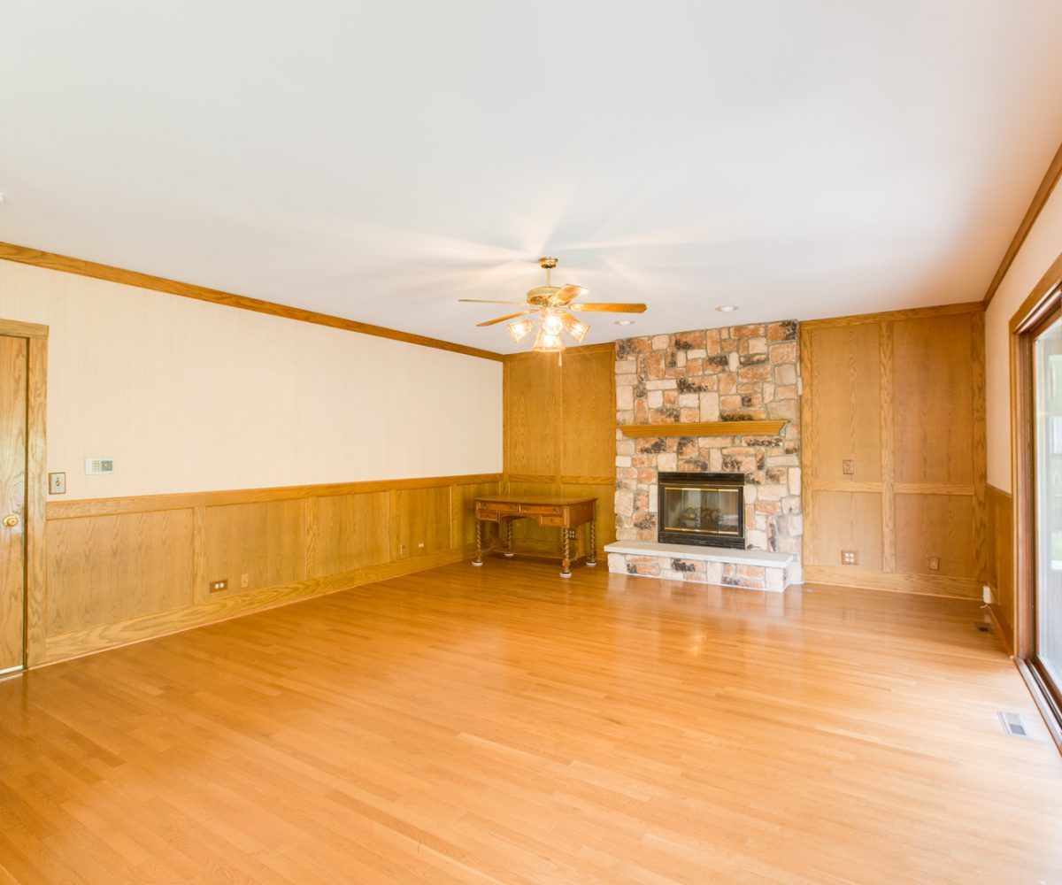 4907 Lake Dawnwood David Harney Real Estate Johnsburg IL Family Room