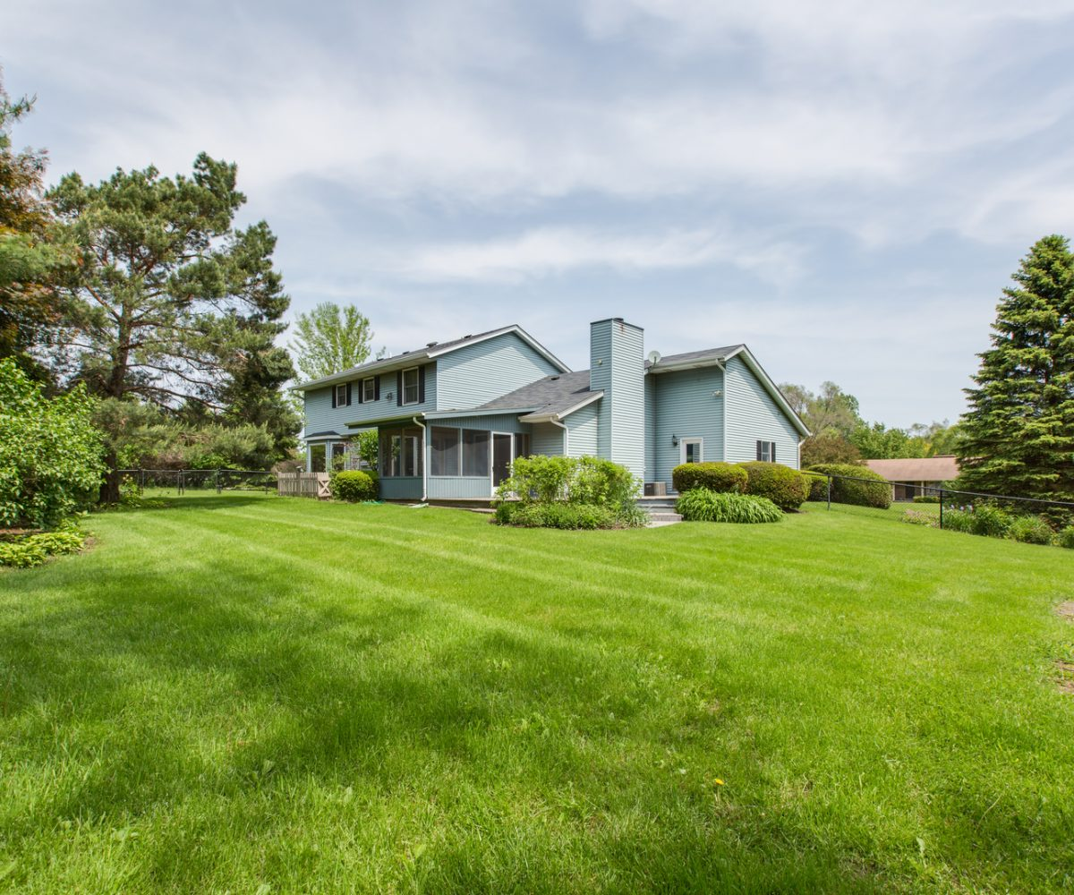 4907 Lake Dawnwood David Harney Real Estate Johnsburg IL Rear Exterior