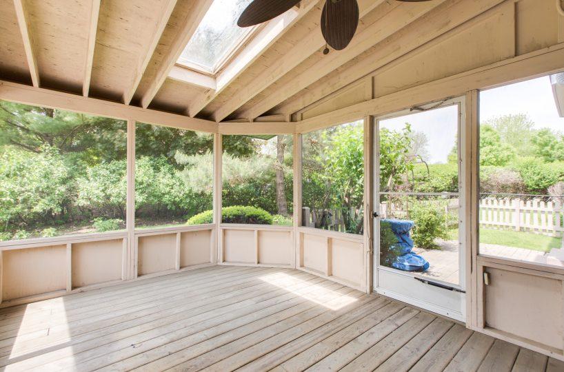 4907 Lake Dawnwood David Harney Real Estate Johnsburg IL Screen Room