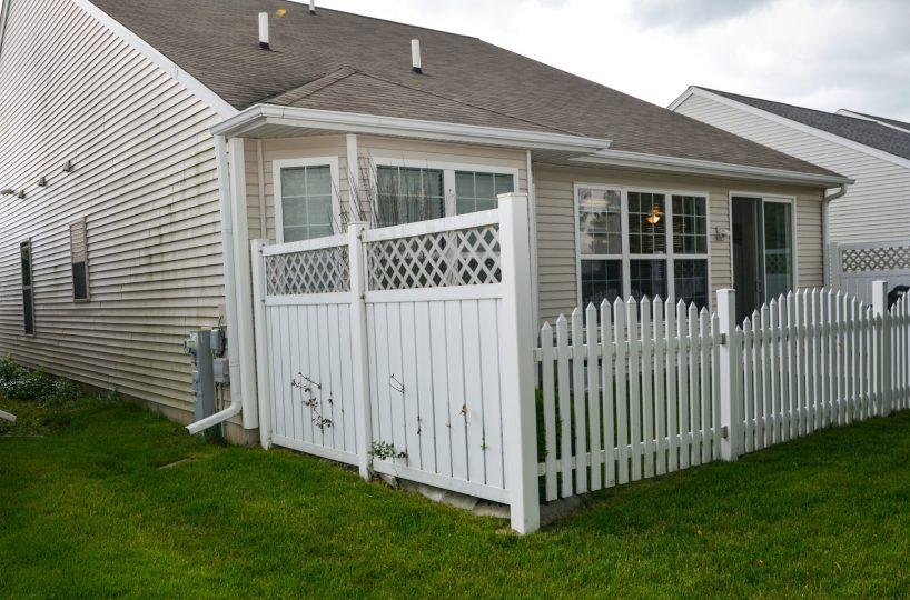 David Harney Real Estate 13219 Cedarcrest Huntley IL Back Deck