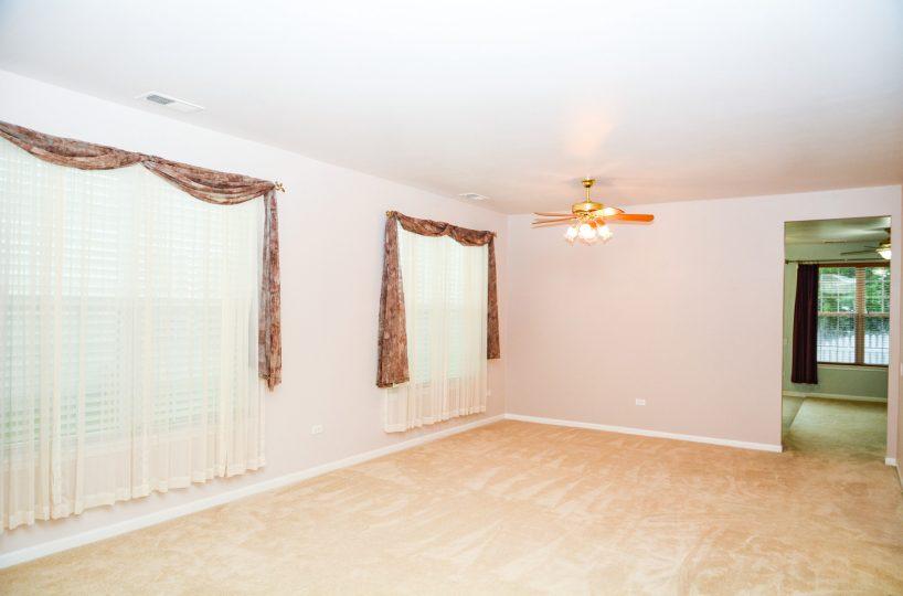 David Harney Real Estate 13219 Cedarcrest Huntley IL Dining Room