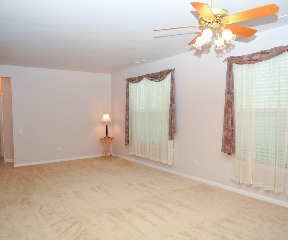 David Harney Real Estate 13219 Cedarcrest Huntley IL Family ROom