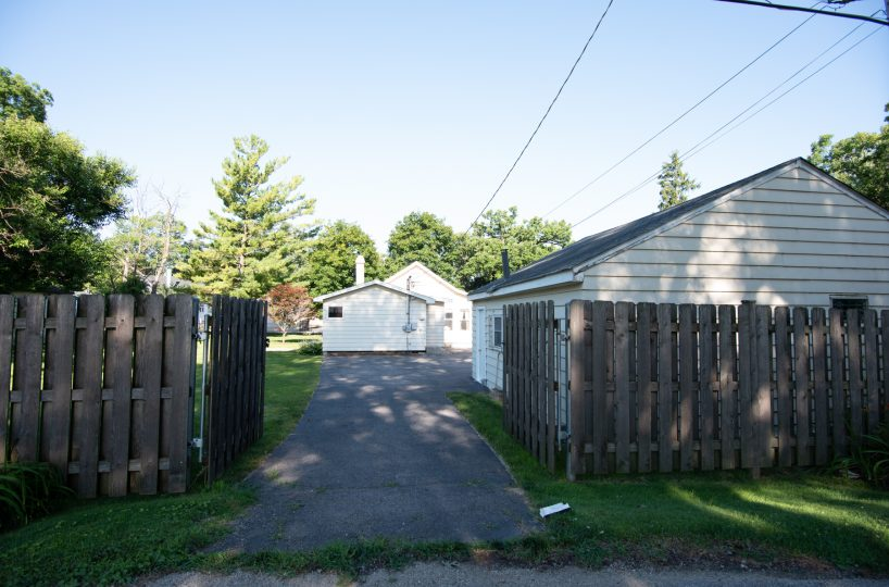 David Harney Realtor 42453 N Park Ln Antioch IL Driveway4