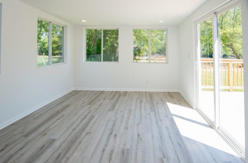David Harney Realtor Oak Ave Antioch IL Sun Room2